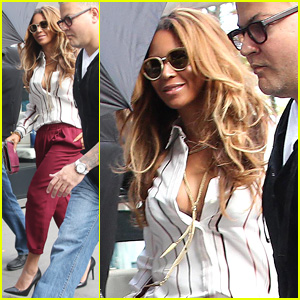 Beyonce & Jay Z Enjoy Family Lunch Amid Pregnancy Rumors