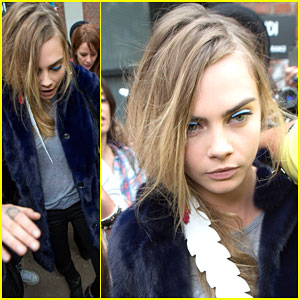 Cara Delevingne Gets Greeted By A Big Crowd of Fans in Milan