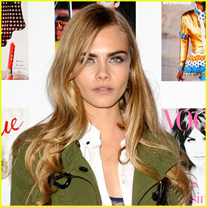Cara Delevingne Set to Play the Female Lead in John Green's 'Paper Towns'!