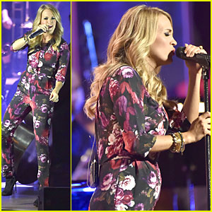 Carrie Underwood Debuts Small Baby Bump at Sold Out Concert in Illinois!