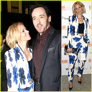 Elizabeth Banks Bares Midriff in a Suit at 'Love & Mercy' TIFF Premiere