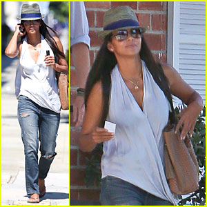 Halle Berry Looks Unrecognizable Wearing Longer Hair Extensions