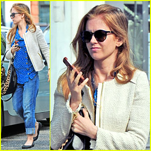 Isla Fisher Is Feeling Blue During Latest London Sighting