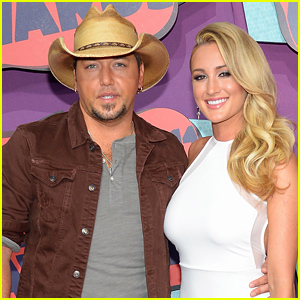 Jason Aldean: Engaged to Girlfriend Brittany Kerr!