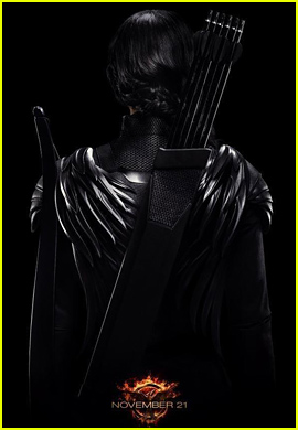 Jennifer Lawrence Is Surrounded By Darkness For 'Hunger Games: Mockingjay' Poster