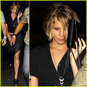 Jennifer Lawrence Leaves Rumored Boyfriend Chris Martin's Coldplay Concert (Photos)