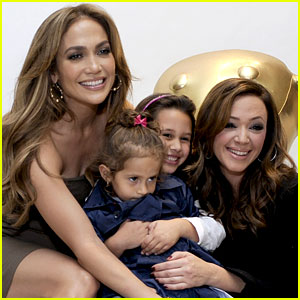 Jennifer Lopez & Leah Remini Discuss Their Scary Car Accident