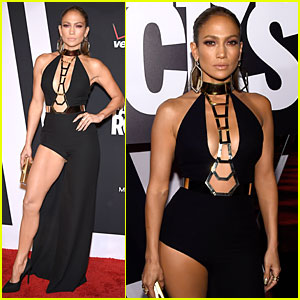 Jennifer Lopez Gives Us Sexy Leg Action at Fashion Rocks 2014