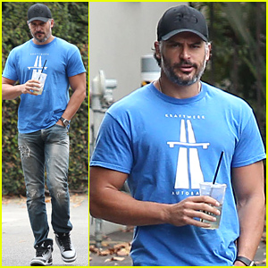 Joe Manganiello's Muscles Never Fail to Impress!