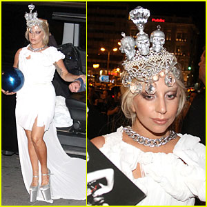 Lady Gaga Makes Fashion Statement By Wearing Skull Crown