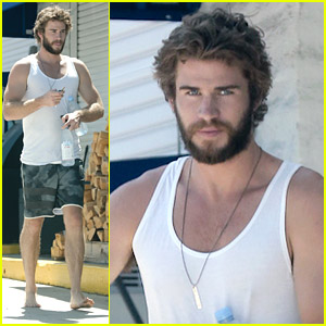 Liam Hemsworth Makes Convenience Store Run Barefoot