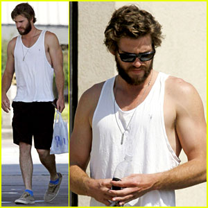 Liam Hemsworth Bares His Muscles in a Tank Top in Mississippi
