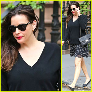 Pregnant Liv Tyler Looks Ready for Fall!