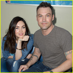 Megan Fox & Brian Austin Green Donate Their Time at 'Stars 4 Smiles' Charity Event
