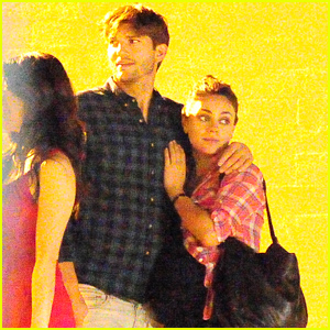 Mila Kunis & Ashton Kutcher Show Some Love After Dinner