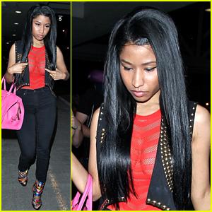 Nicki Minaj's Backup VMAs Dancer Explains How She Got Bit By That Snake