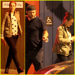Rachel McAdams Dines Out at Dominick's with Friends