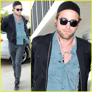 Robert Pattinson Flies the Skies to Toronto Film Festival 2014