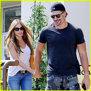 Sofia Vergara & Joe Manganiello Look Happy After She is Named Highest-Paid TV Actress For Third Straight Year!