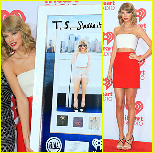 Taylor Swift Receives Milestone Plaque on iHeartRadio Music Festival 2014 Red Carpet