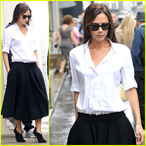 Victoria Beckham Even Stays Stylish in Pouring Rain!