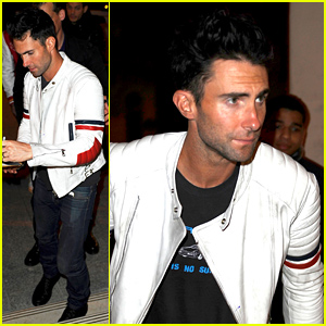 Adam Levine Thinks Wife Behati Prinsloo Is the 'Best Dressed Woman Out There'
