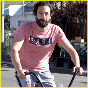 Adrien Brody & His Scruff Are Definitely Ready for No-Shave November