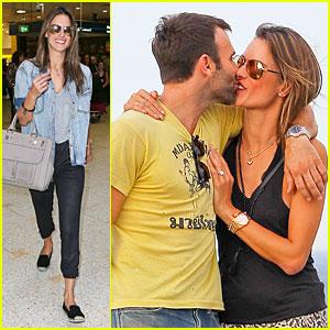 Alessandra Ambrosio & Jamie Mazur Share a Kiss During Romantic Bondi Beach Date