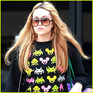 Amanda Bynes Says She's Engaged to 19-Year-Old Boyfriend