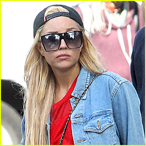 Amanda Bynes Plans on Suing a Tabloid: 'I Am Not Insane'