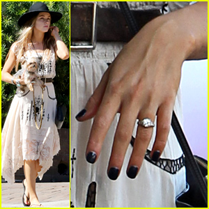 Amber Heard Flashes Her Gorgeous Engagement Ring On Her 'Magic Mike XXL' Break!