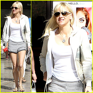 Anna Faris Has Legs For Days During Shopping Trip at The Grove