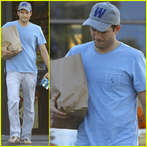 Ashton Kutcher Hopes to Project Bedtime Stories to Baby Wyatt