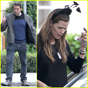 Jennifer Garner Has Ben Affleck & Batman on Her Mind on Halloween
