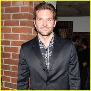 Bradley Cooper Suits Up for 'Foxcatcher' Premiere Party