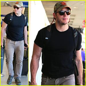 Chris Pratt Is Looking Super Buff at the Airport