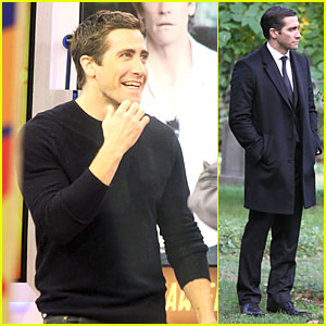 Jake Gyllenhaal Goes From Happy to Sad in One Day