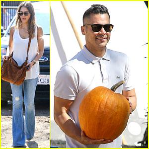 Jessica Alba & Cash Warren Go Pumpkin Picking