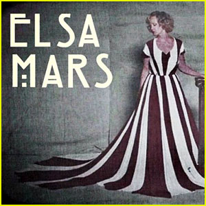 Jessica Lange Sings 'Life on Mars' for 'AHS' - WATCH NOW!