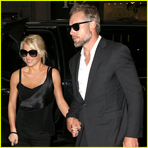 Jessica Simpson Steps Out for Date Night in New York City