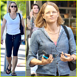 Jodie Foster Puts Fit Figure On Display For Breakfast