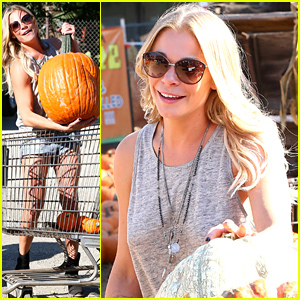 LeAnn Rimes Loads Up on Huge Pumpkins On Her 'Perfect Saturday' with Her Family!