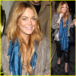 Lindsay Lohan Apologizes for Not Taking Pictures with Fans After Her Performance