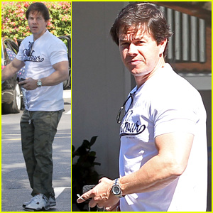 Mark Wahlberg Back in Los Angeles After 'Ted 2' NYC Filming
