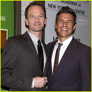 Neil Patrick Harris & David Burtka Couple Up for 'The Country House' Opening Night