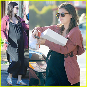 Rachel Bilson Has Sweet Pregnancy Cravings at Belwood Bakery
