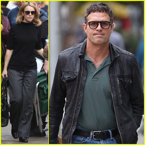 Rachel McAdams & Mark Ruffalo Are All Business on 'Spotlight' Set