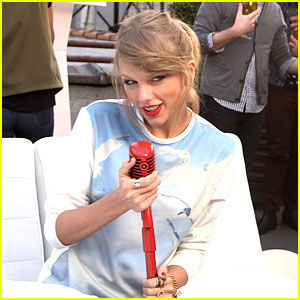 Taylor Swift Is Totally in 'Style' for Target Commerical (Exclusive Behind the Scenes Photos!)