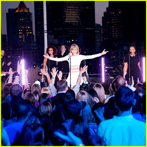 Taylor Swift Performs 'Style' & 'Blank Space' for iHeartRadio's Secret Session!