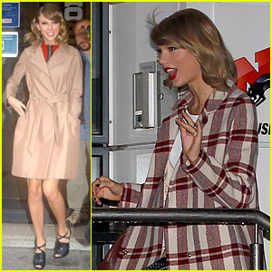 Taylor Swift Smiles So Big After Watching Fan 'Shake It Off' at Grocery Store